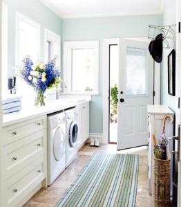 Beachy laundry room, light and bright laundry room, interior decor, interior decorating, decorating a laundry room